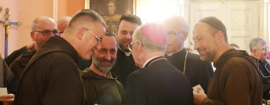 Abp Marek Jędraszewski do kapłanów: Słowo stało się ciałem, abyśmy stawali się synami Bożymi