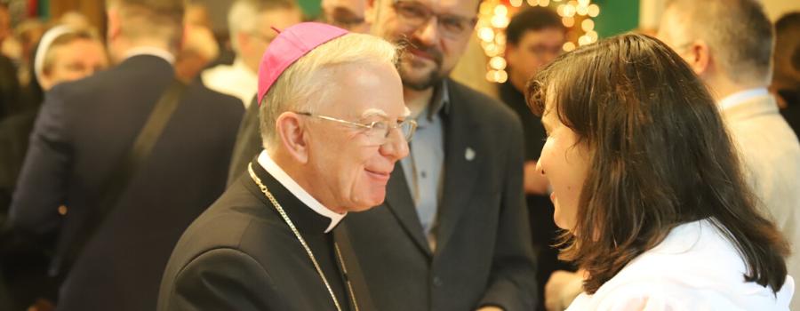 Opłatek Uniwersytetu Papieskiego Jana Pawła II: Ta uczelnia powinna bronić prawdy o człowieku i być światłem dla współczesnego świata