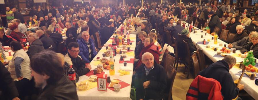 Abp Marek Jędraszewski na wigilii dla osób bezdomnych, ubogich i samotnych: Boże Narodzenie uczyniło świat lepszym