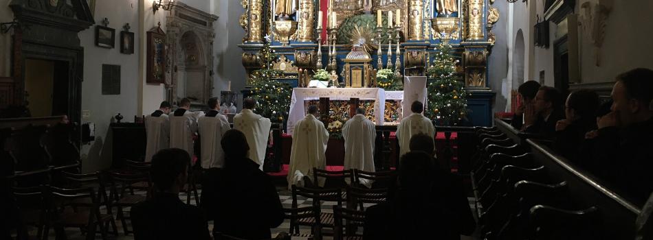 Klerycy krakowskiego seminarium nawiedzili grób bł.Michała Giedroycia