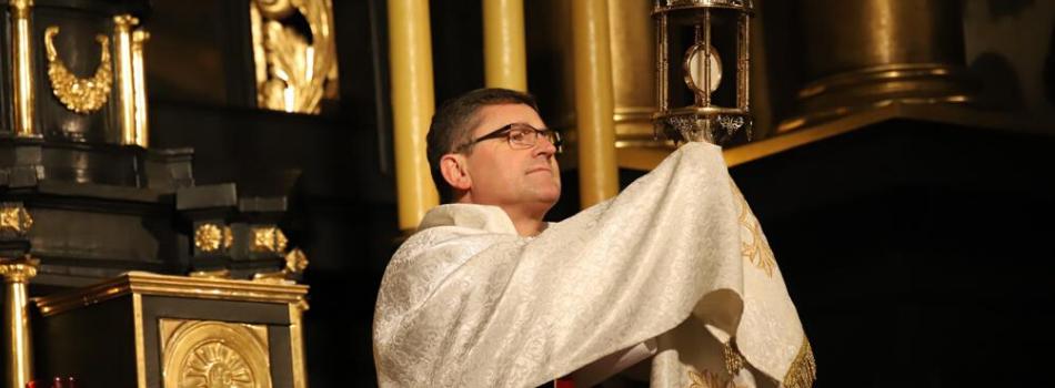 Kościół stacyjny św. Krzyża: Trwajmy w silnej wierze