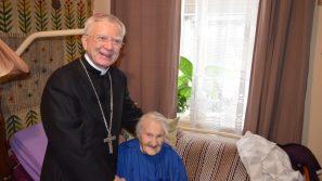 Abp Marek Jędraszewski odwiedził Marię Nowak – Sprawiedliwą wśród Narodów Świata