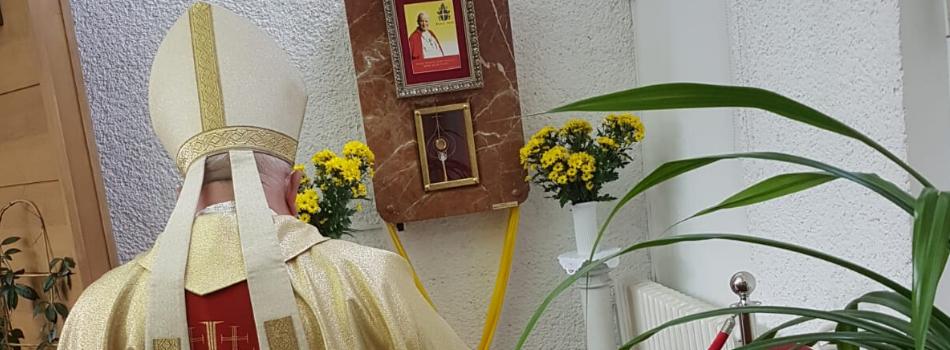 Kard. Stanisław Dziwisz: Podstawowym warunkiem służby Jana Pawła II była i jest miłość
