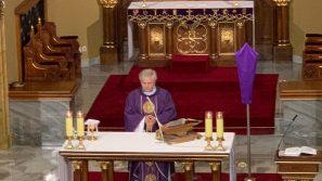 Ks. Ireneusz Okarmus w Łagiewnikach: Jezus kocha nas miłością miłosierną