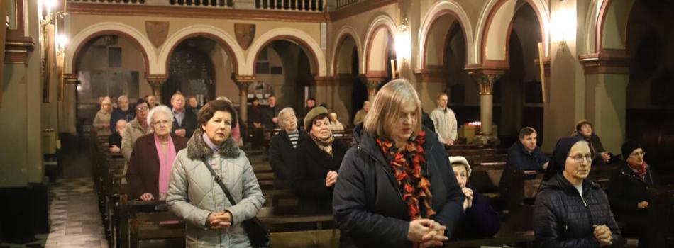 Kościół stacyjny Najświętszej Maryi Panny z Lourdes: Należy każdego dnia pamiętać o przykazaniu miłości Boga i bliźniego