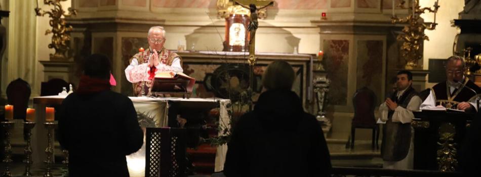 Kościół stacyjny w kolegiacie św. Anny: Trzy postawy chrześcijańskie, które należy przyjąć wobec cierpienia