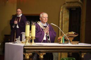 Abp Marek Jędraszewski w Łagiewnikach o szczególnym doświadczeniu próby wiary w Boga i w Bożą Opatrzność