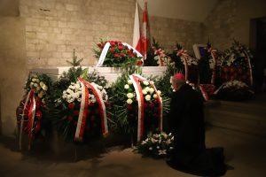 Abp Marek Jędraszewski w 10. rocznicę katastrofy smoleńskiej: modlimy się o wieczne zbawienie dla wszystkich ofiar