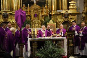 Liturgia stacyjna w bazylice św. Floriana: Skąd u ciebie ta moc i nadzieja?