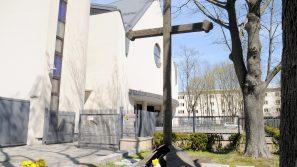 60. rocznica obrony krzyża w Nowej Hucie: Mimo że świat się zmienia, krzyż stoi w miejscu
