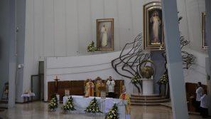 Abp Marek Jędraszewski w Łagiewnikach: Miłosierna miłość Boga zwycięża świat