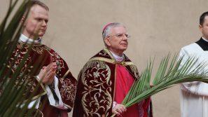 Niedziela Palmowa w domu. Transmisja z katedry na Wawelu