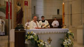 Niedziela Zmartwychwstania Pańskiego w sanktuarium św. Jana Pawła II: Zmartwychwstały Jezus jest wśród nas