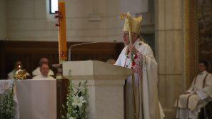 Abp Marek Jędraszewski w 100-lecie urodzin św. Jana Pawła II: Papież pozostawił nam nadzieję, że zło upadnie