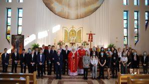 Bierzmowanie w parafii Zesłania Ducha Świętego na Ruczaju: Niech was prowadzi moc Ducha Świętego