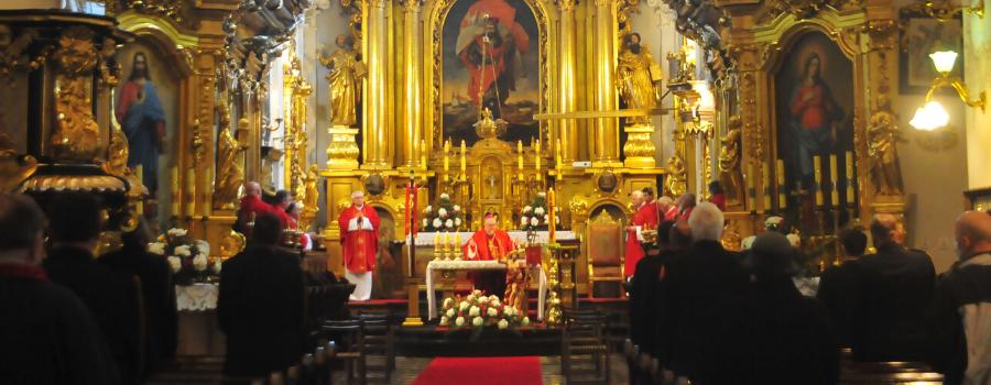 Bp Janusz Mastalski w kolegiacie św. Floriana: miłość, jako przykazanie, jest drogowskazem