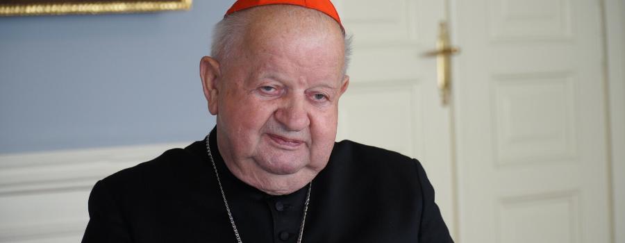 Kard. Stanisław Dziwisz w ostatni dzień roku: Pielęgnujmy pamięć o Janie Pawle II
