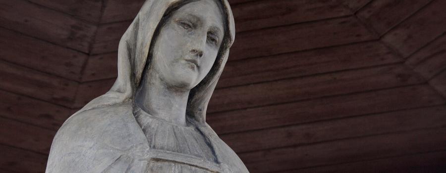 Figura Matki Bożej ponownie nad Teatrem Groteska