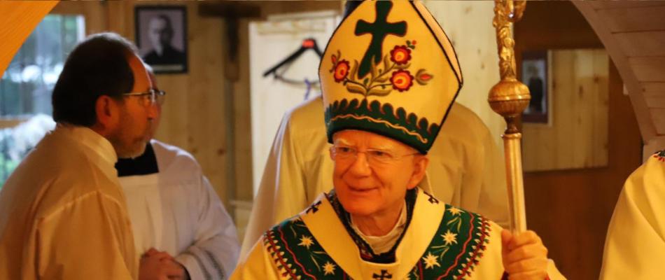 Abp Marek Jędraszewski podczas Mszy św. na Śnieżnicy: Nie bójmy się głosić Chrystusa, pokładając nadzieję w Bożym miłosierdziu