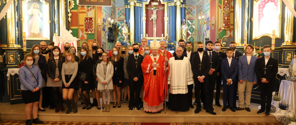 Abp Marek Jędraszewski podczas bierzmowania w Babicach: Chrześcijanin to człowiek przepełniony mocą i mądrością