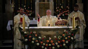 Inauguracja roku akademickiego na Uniwersytecie Ekonomicznym w Krakowie: Człowiek ginie bez Boga