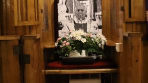 Ks. prał. Andrzej Kopicz podczas pogrzebu śp. ks. prałata Czesława Sandeckiego: Byłeś dla nas przyjacielem, bratem i gorliwym duszpasterzem