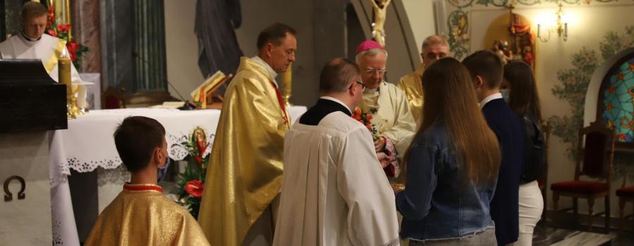 Abp Marek Jędraszewski w czasie 50-lecia parafii Niepokalanego Serca NMP w Krakowie: Pamięć jest wyrazem wdzięczności