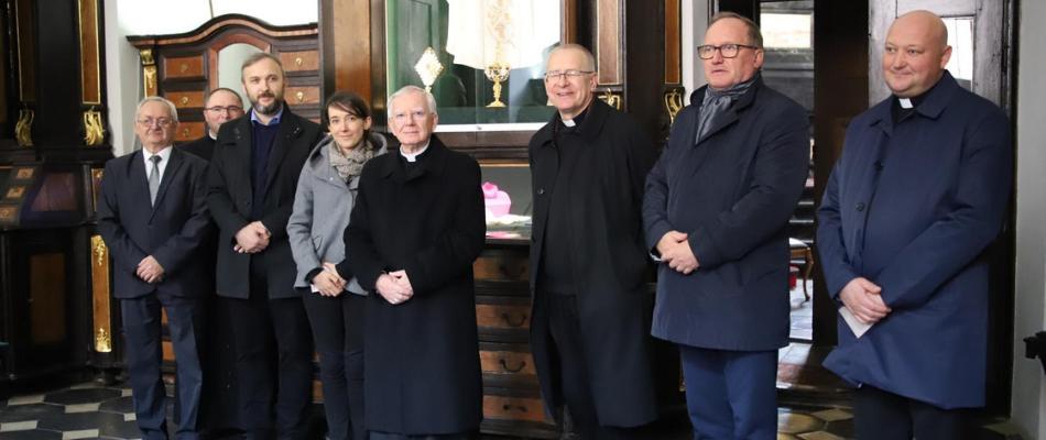 Abp Marek Jędraszewski odsłonił i poświęcił tablicę upamiętniającą Józefa Bilczewskiego