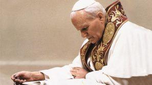 Ważne słowa kard. Ruiniego w obronie papieża