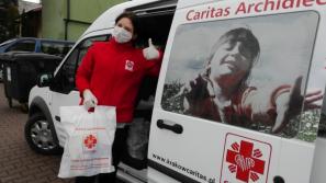 Krakowska Caritas apeluje o pomoc w zebraniu środków na świąteczne paczki
