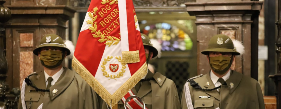 Abp Marek Jędraszewski na Wawelu: potrzeba wdzięczności Bogu za dar niepodległości i nieustannego zmagania przez pamięć o tradycji