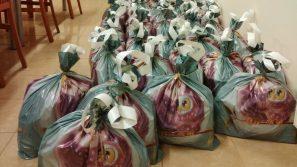 Krakowscy trynitarze przygotowują świąteczne paczki dla więźniów