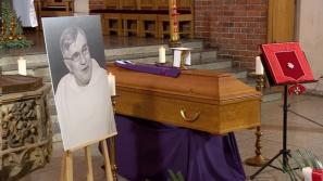 """Kard. Stanisław Dziwisz na pogrzebie o. Macieja Zięby OP: jego życie było prawdziwą """"posługą myślenia"""""""