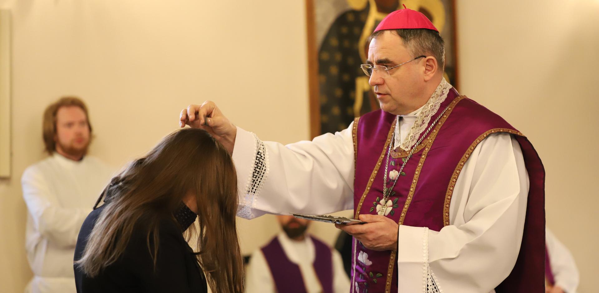 Bp Robert Chrząszcz w Środę Popielcową: Boże zbawienie jest dostępne dla wszystkich