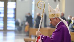 Msza św. prymicyjna bp. Roberta Chrząszcza w Sanktuarium Bożego Miłosierdzia w Łagiewnikach