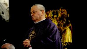 Ks. Zdzisław Sochacki, proboszcz wawelskiej katedry, odebrał godność kanonika katedry w Chartres