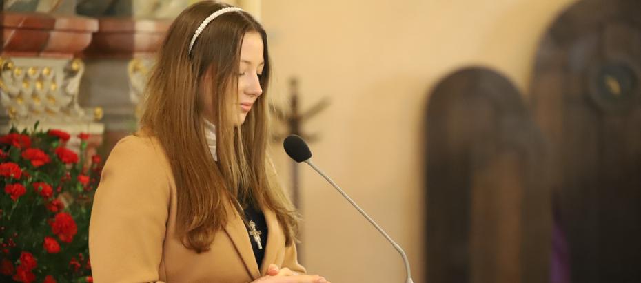 Abp Marek Jędraszewski podczas bierzmowania w Regulicach: Mężnie wyznawać chrześcijańską wiarę to otwierać się na Chrystusa