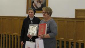 """Seniorzy tworzą """"Album dobrych wspomnień"""" o św. Janie Pawle II"""