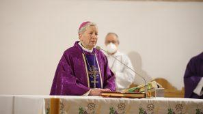 Bp Jan Zając o ciągle toczącej się duchowej walce