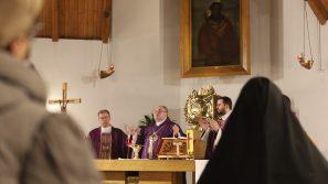 Bp Janusz Mastalski podczas kościoła stacyjnego w Sanktuarium Ecce Homo o odkryciu na nowo wymiarów wiary
