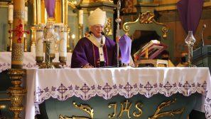 Abp Marek Jędraszewski w Podstolicach: Nie możemy zrozumieć samych siebie bez Chrystusa