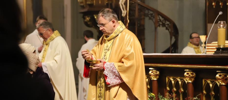 Bp Robert Chrząszcz: Polecajmy Kościół i nasze rodziny opiece św. Józefa