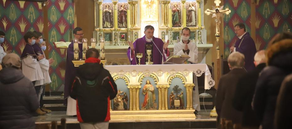 Bp Robert Chrząszcz: Bóg nie wymaga od nas wielkich dzieł miłości, ale codzienności ozdobionej miłością