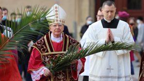 Abp Marek Jędraszewski w Niedzielę Palmową: Czas odrzucania tego, co tylko ludzkie w patrzeniu na człowieka, a odkrywania tego, co Boże