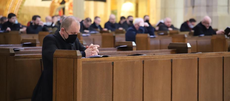 Modlitwa pokutna kapłanów Archidiecezji Krakowskiej w Sanktuarium św. Jana Pawła w Krakowie