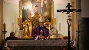 Bp Damian Muskus o miłosiernych ramionach Ojca