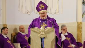 Bp Janusz Mastalski: Wiara jest przylgnięciem do Chrystusa