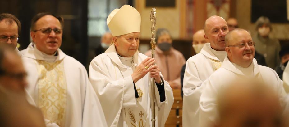 Bp Jan Zając: kochać Chrystusa obecnego w drugim człowieku