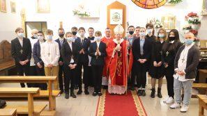 Abp Marek Jędraszewski do młodych: Dajcie się prowadzić Duchowi Świętemu
