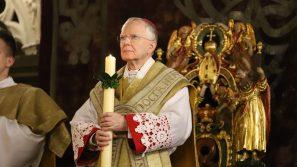 Abp Marek Jędraszewski w Wigilię Paschalną o nadziei zbawienia dla wierzących w Zmartwychwstałego